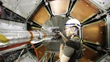 I neutrini si riconfermano piu' veloci della luce di 60 nanosecondi