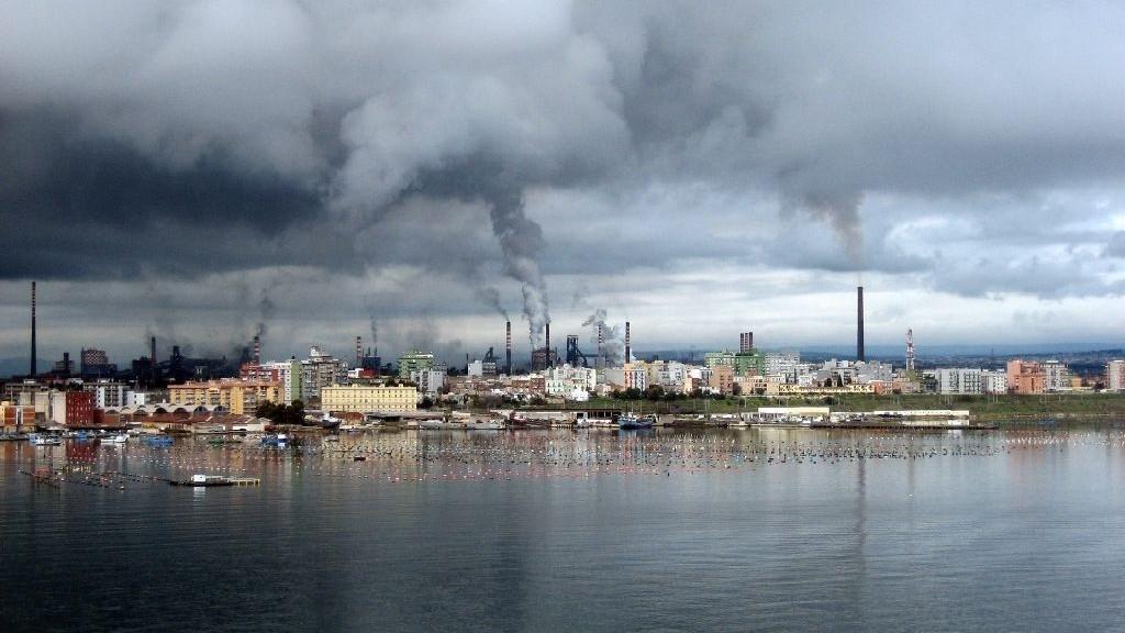 "Ambiente: l'Ue vara un ""pacchetto aria pulita"" contro lo smog"