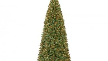 Gli alberi di Natale di plastica e il loro impatto ambientale