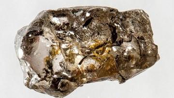 Trovata la ringwoodite, minerale che prova l'esistenza di 'oceani' nel mantello