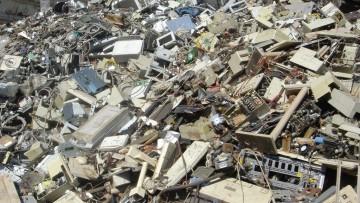 Metalli preziosi e terre rare nei rifiuti hi tech: un 'tesoro' da 15 miliardi di euro