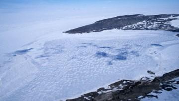 Antartide, rilevati ecosistemi di microbi nei laghi subglaciali