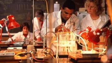 Ancora scoperte scientifiche fatte all'estero da italiani: i migliori continuano ad andare via