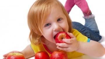 Il cibo dei bambini avvelenato da sostanze chimiche sintetiche