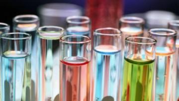REACH: novità in arrivo per fabbricanti e gli importatori di sostanze chimiche
