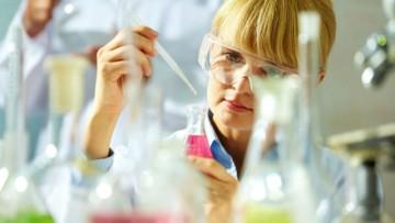 Valutazione del rischio chimico: si parla di prevenzione e protezione